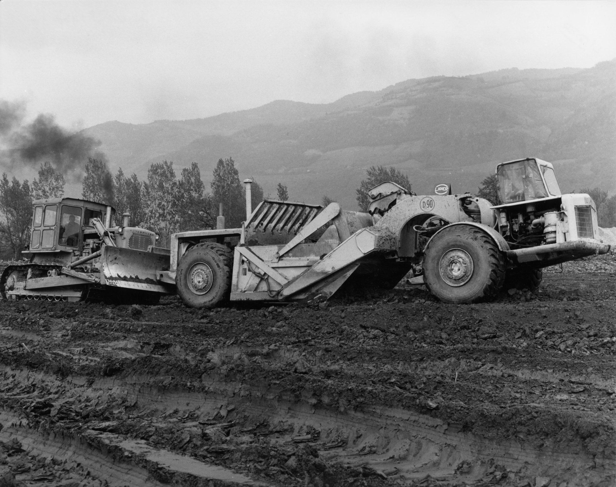 21 Avril 1967 Scraper et Bull-dozer