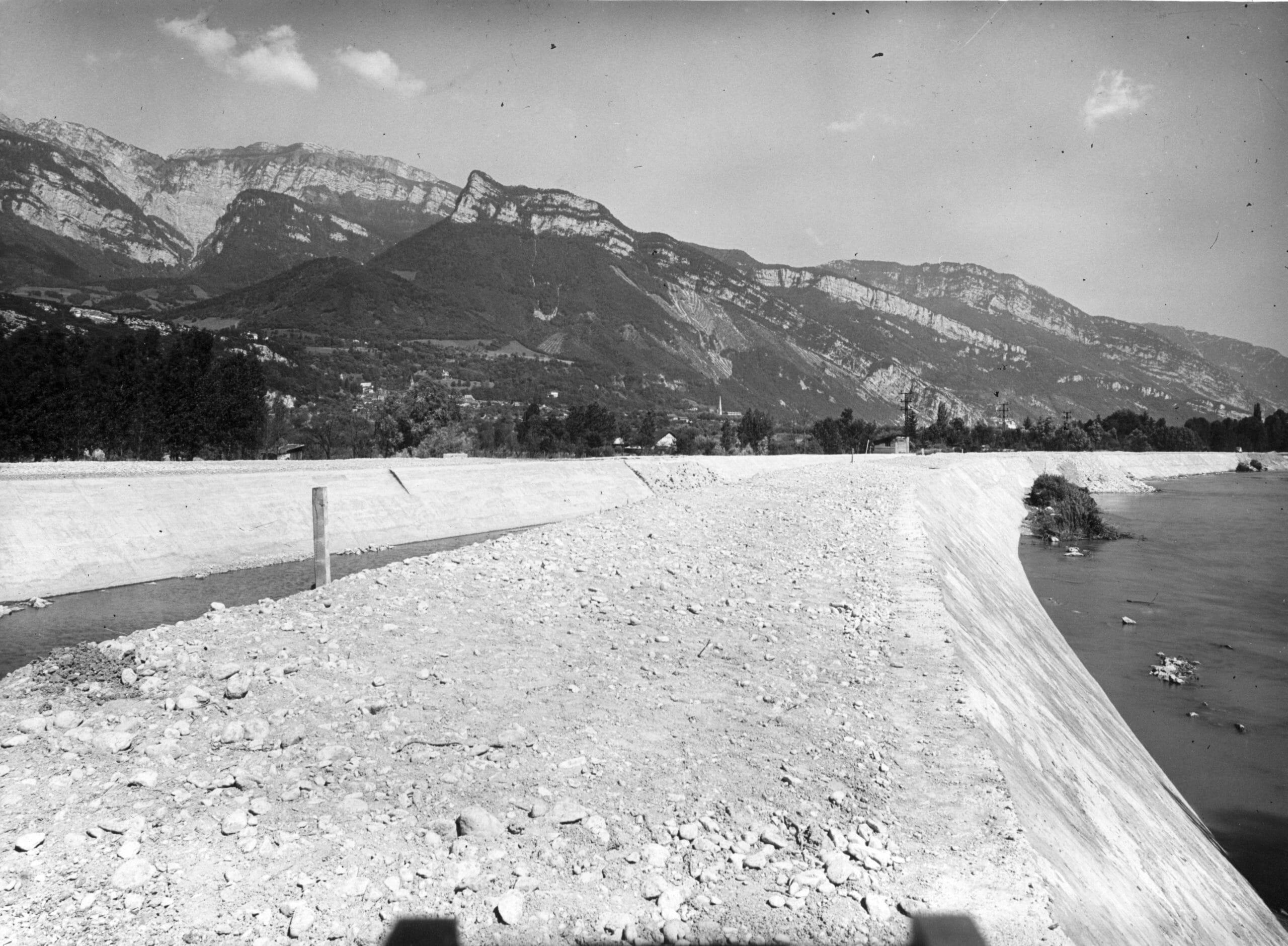 BRECHE PALLUEL APRES TRAVAUX 3 CRUE JUIN 1948