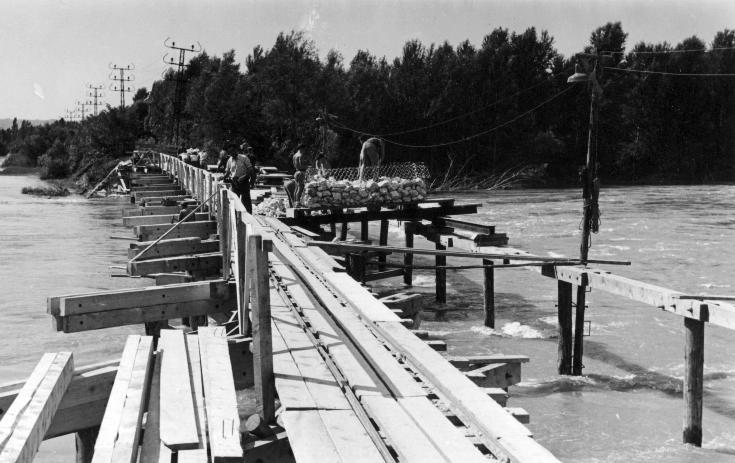 BRECHE PALLUEL TRAVAUX 2 CRUE JUIN 1948
